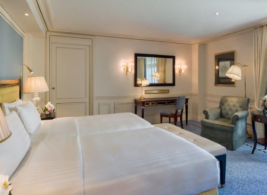 Chambre Shangri La Paris