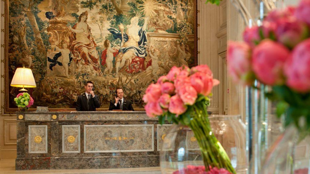 Accueil lobby george V Paris