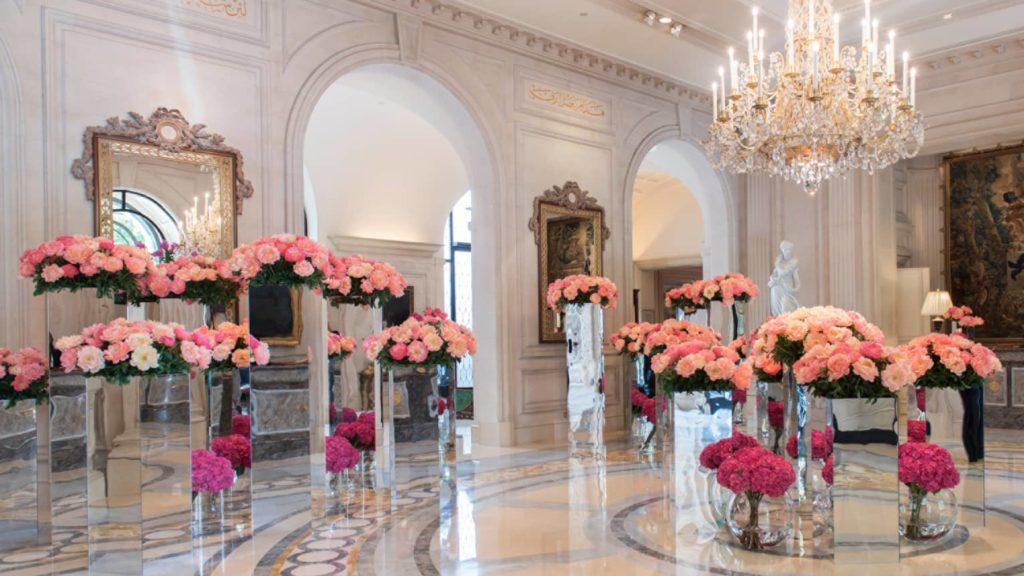 Lobby fleuri du George V Paris