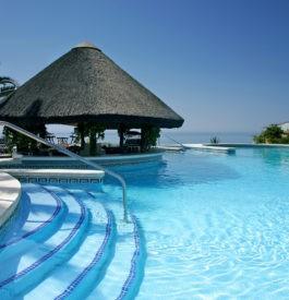 Piscine hôtel : Top 10 des bassins les plus étonnants