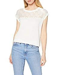 Un tee-shirt blanc