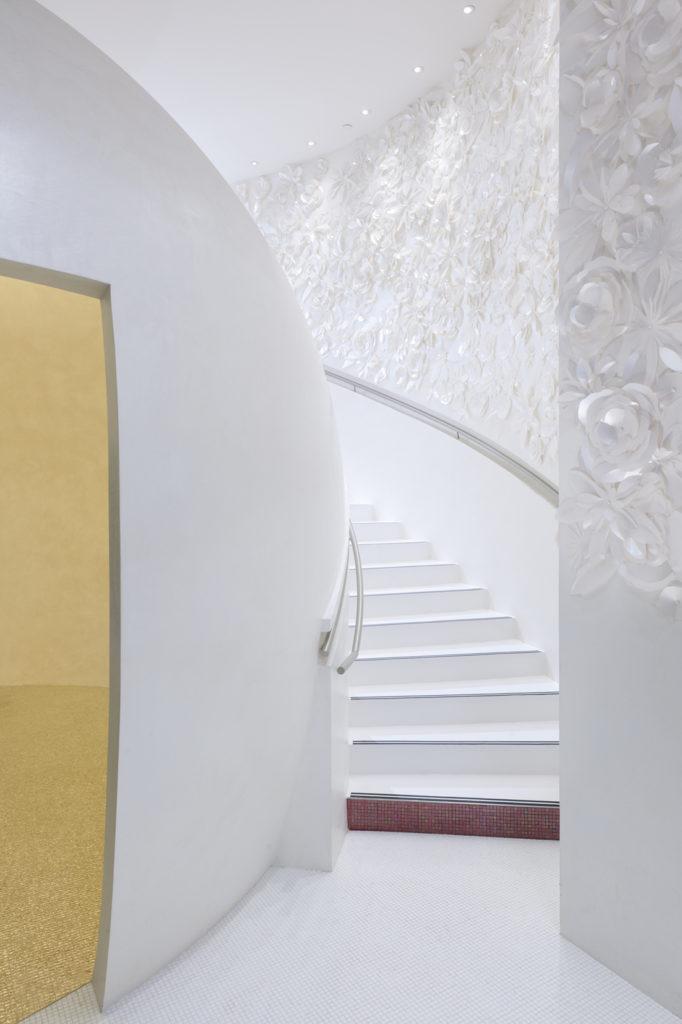 L'escalier vous emmène au 2e étage du Spa Mandarin Oriental Paris