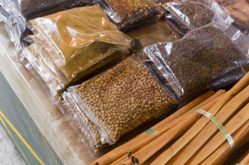Le marché aux épices à Victoria, Seychelles
