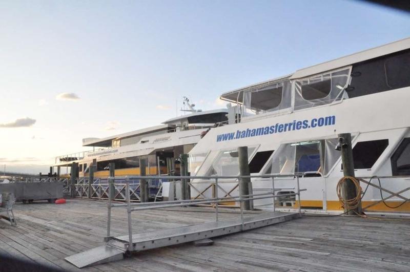 Prendre le ferry aux Bahamas