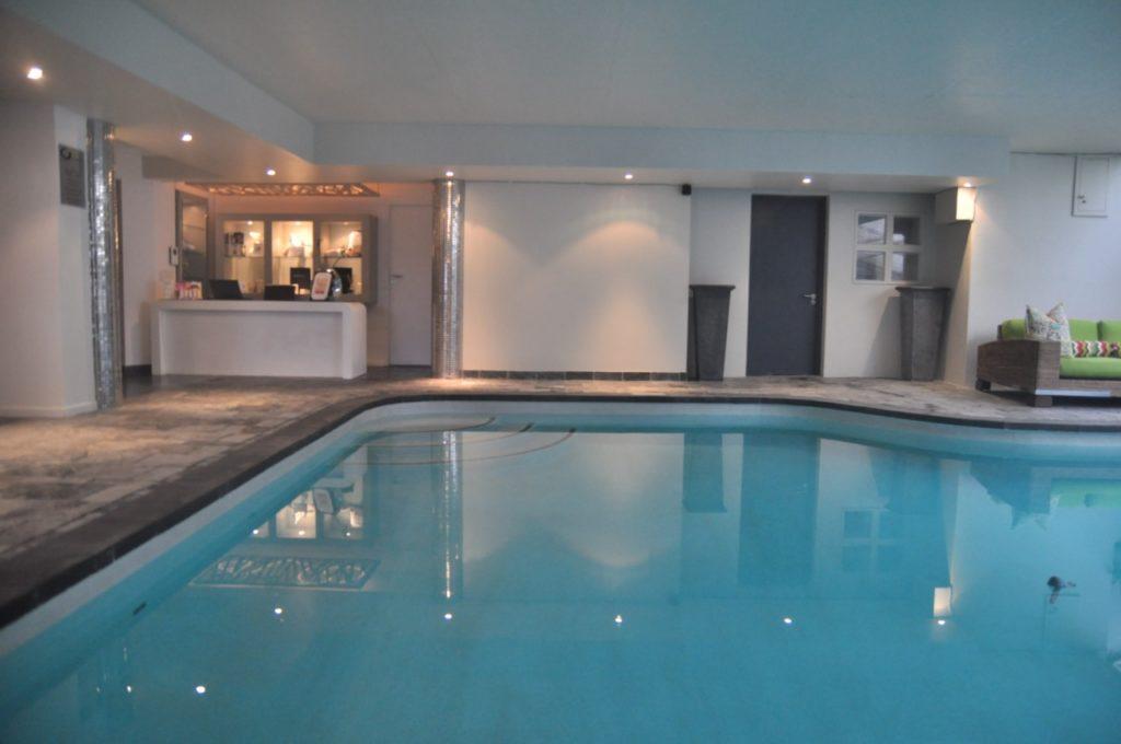 Une piscine et un spa immense au O On Kloof hôtel
