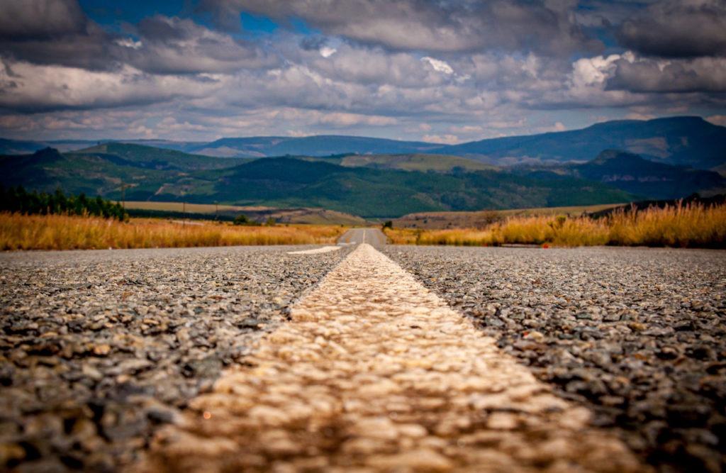 Nous avons l'impression d'être seuls sur cette route