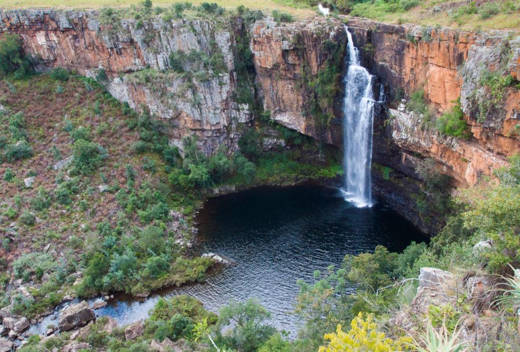 Au bas des cascades, une réserve d'eau