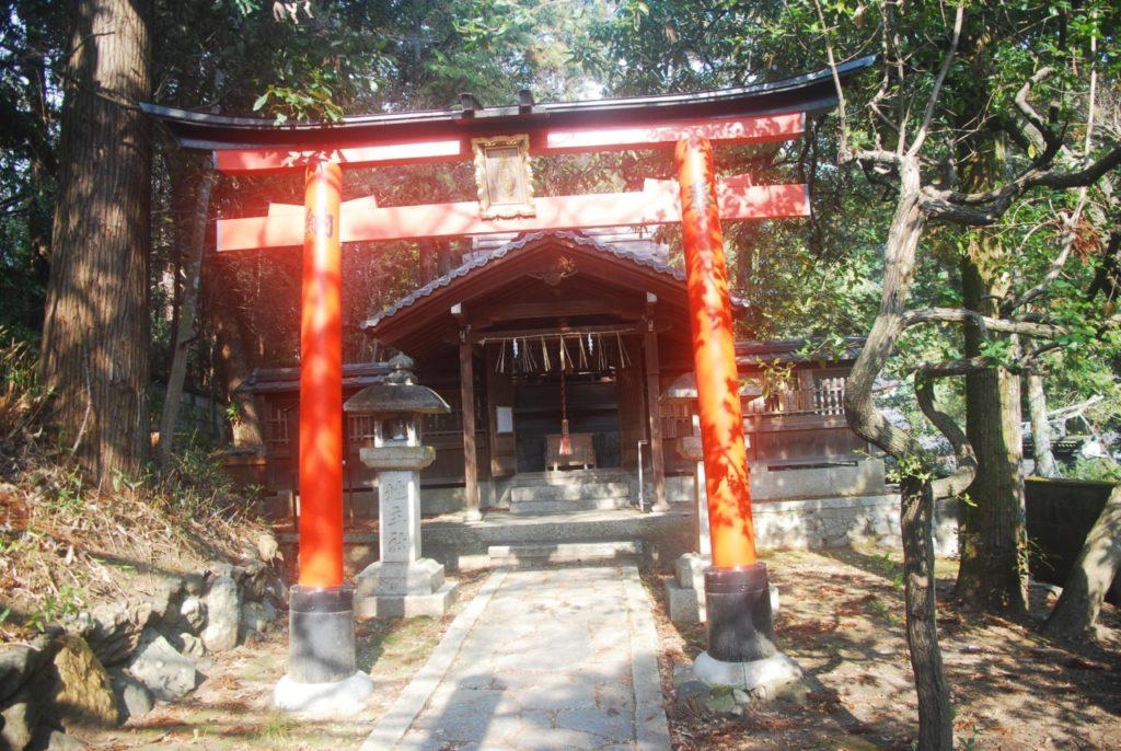 Une des portes du sanctuaire de Fushimi Inari