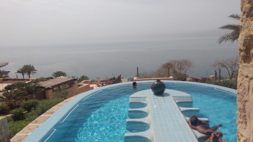 Profiter des eaux de la mer morte en Jordanie avec le spa Mövenpick