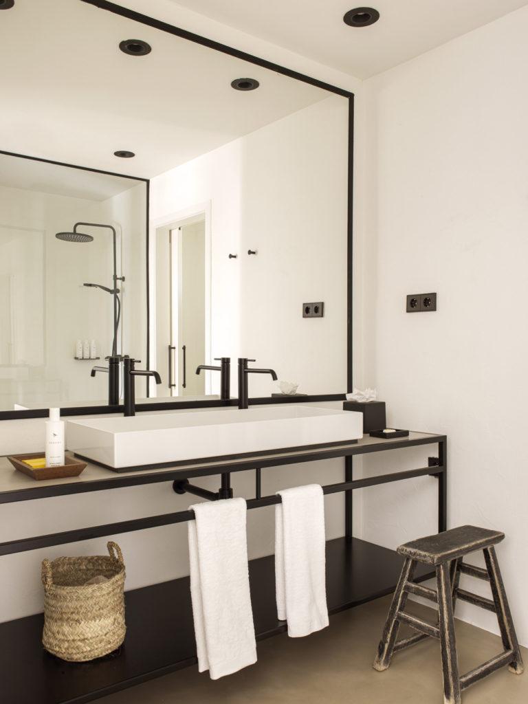 La salle de bain au Mas du Torrent
