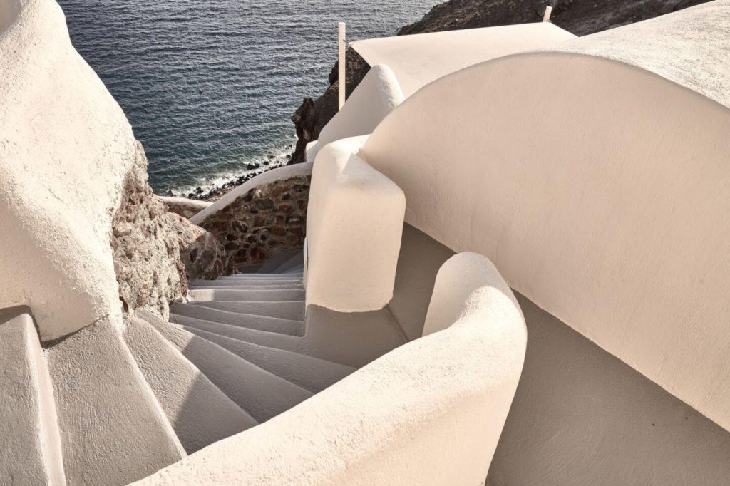 escalier mystique hôtel santorin