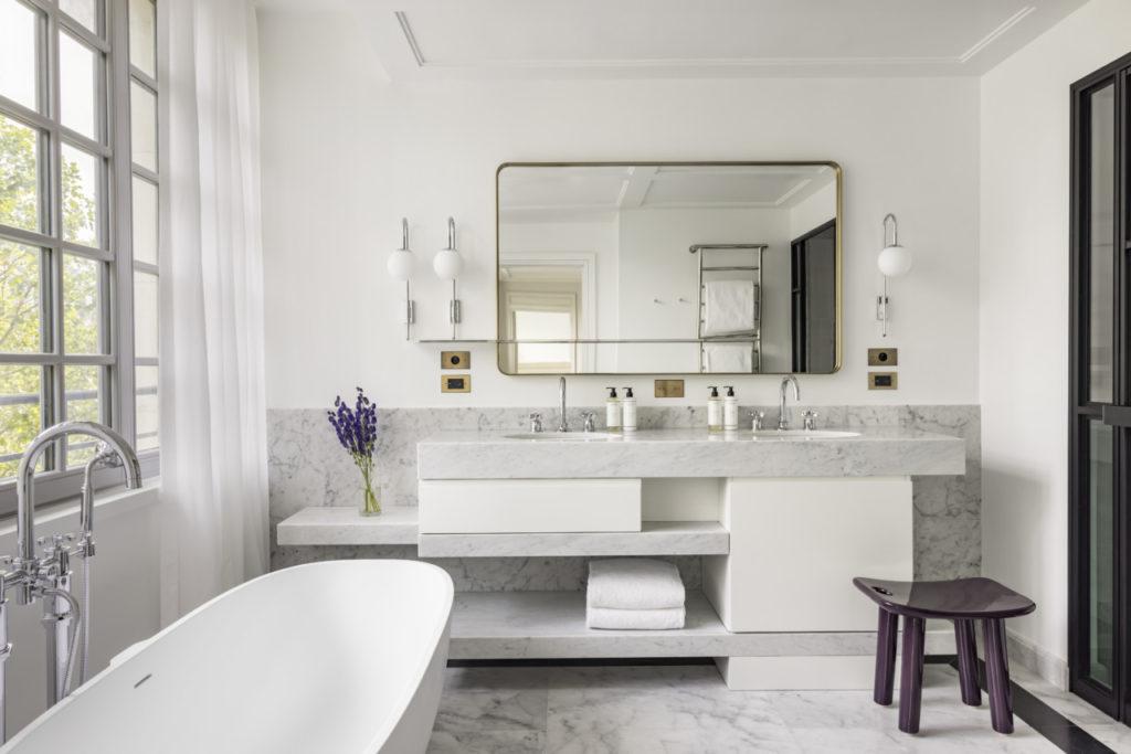 La salle de bain du Kimpton hôtel Saint Honoré