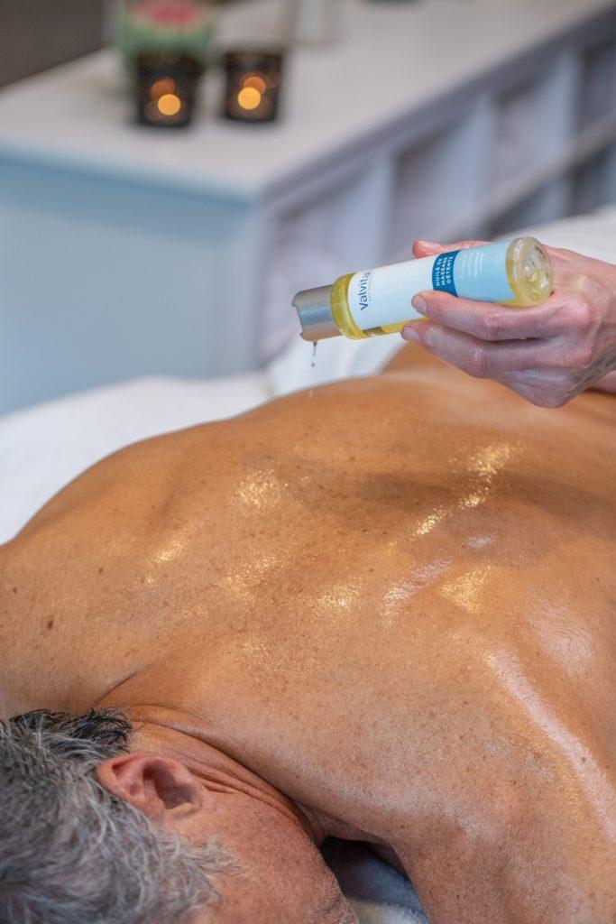 Un massage deep tissue