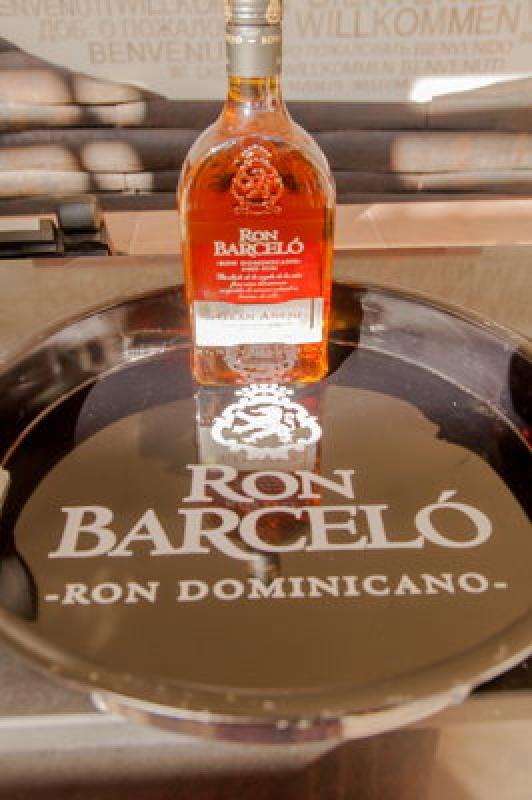 verre de rhum Ron Barcelo