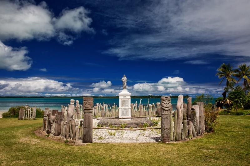 Partout dans Nouméa, des statues d'art Kanak sont dispatchées ça et là !