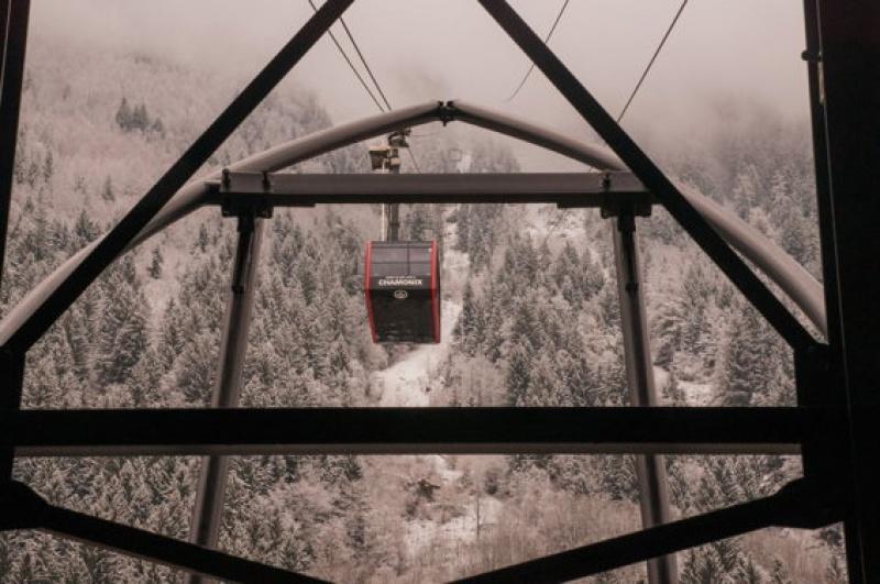 La grimpée en téléphérique - Mont-Blanc
