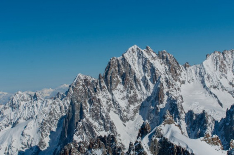 L'Italie en face avec ces montagnes infranchissables - Mont-Blanc