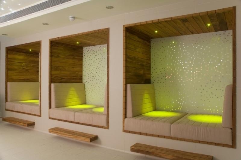 Des caissons lumineux pour décompresser à Londres au K west hôtel