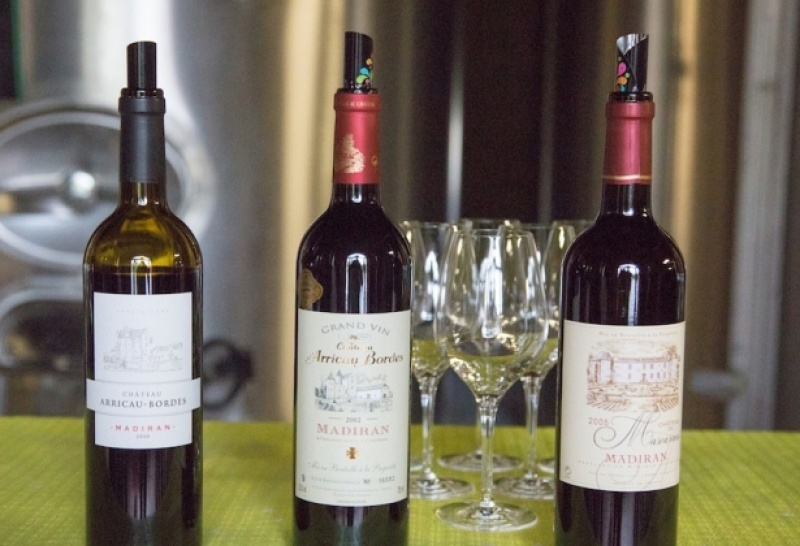 Un vin de Madiran dans les caves de Crouzeilles