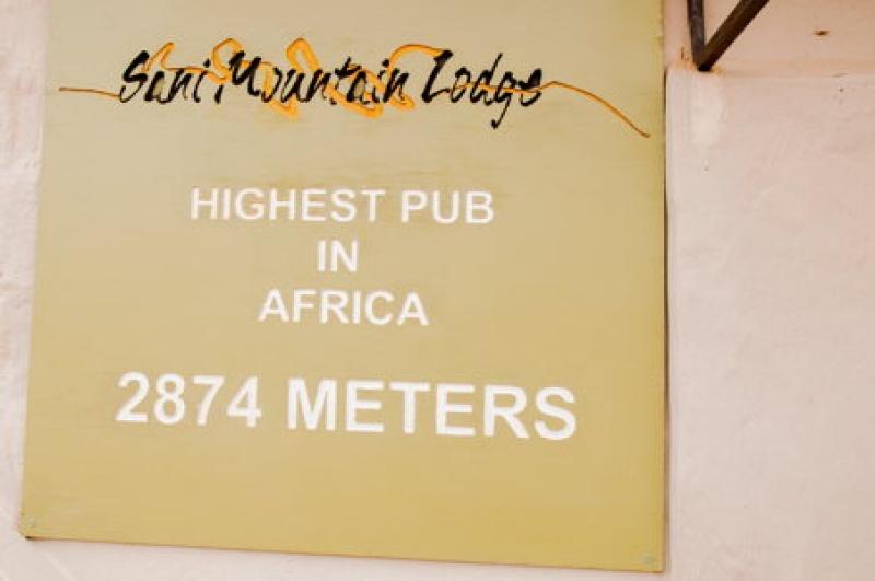 Une fois au Lesotho, allez boire un verre au pub du Sani-Pass à 2874 mètres d'altitude