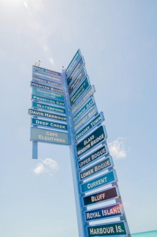 Panneaux indicateurs - Eleuthéra - Bahamas