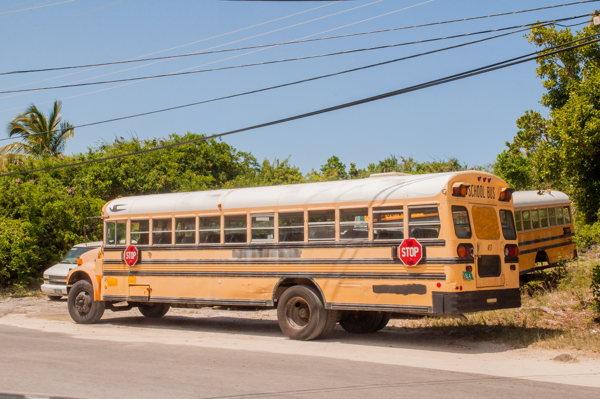 Les bus scolaires - Bahamas - Eleuthéra