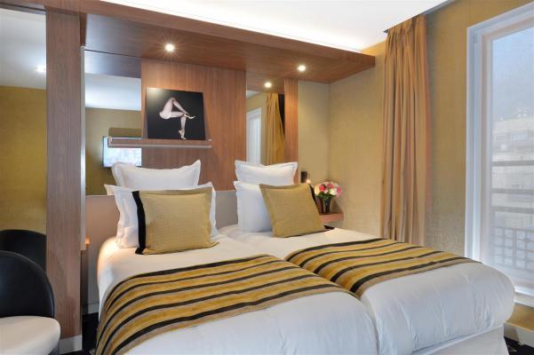 Chambre d'hôtel le 18 - Paris
