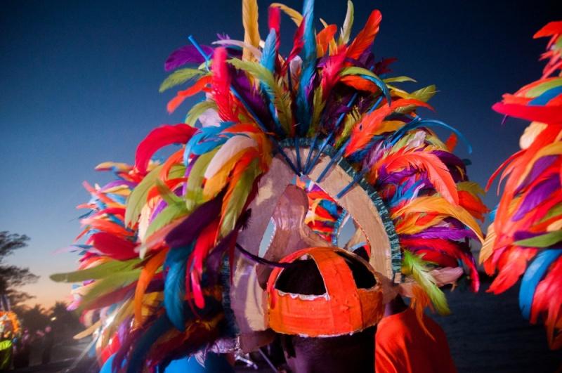 Plumes colorées - Junkanoo Carnaval - Bahamas