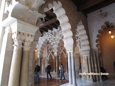 Arcades - palais de la Aljaferia -Saragosse