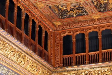 A l'intérieur du palais de la Aljaferia à Saragosse