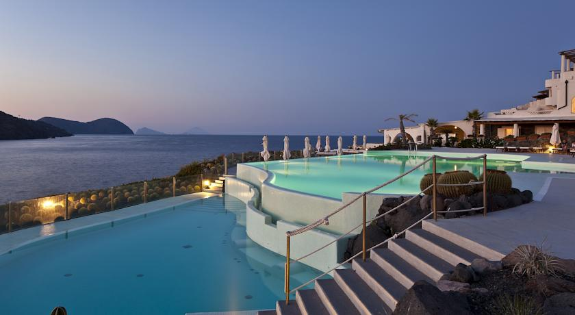 Extérieurs - Therasia Resort Sea & Spa