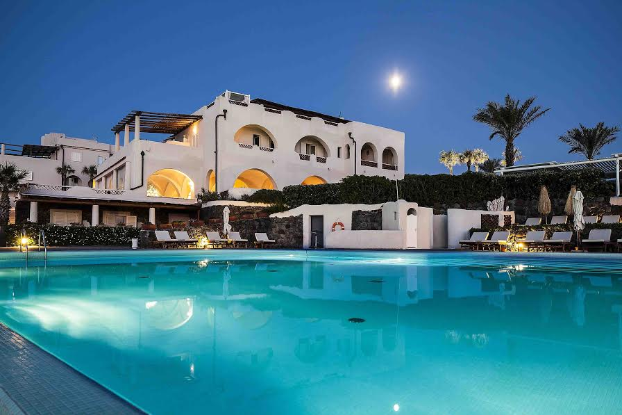 L'hôtel Therasia Resort Sea & Spa