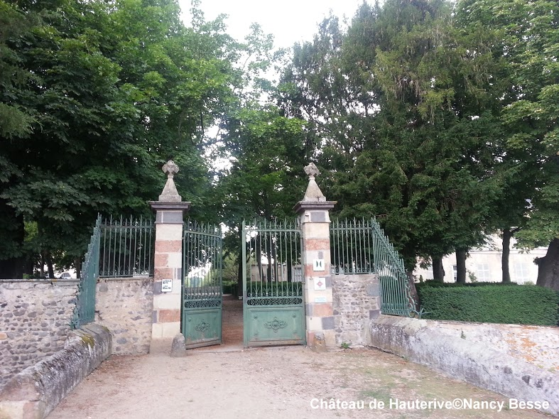 Le portail - Château de Hauterive