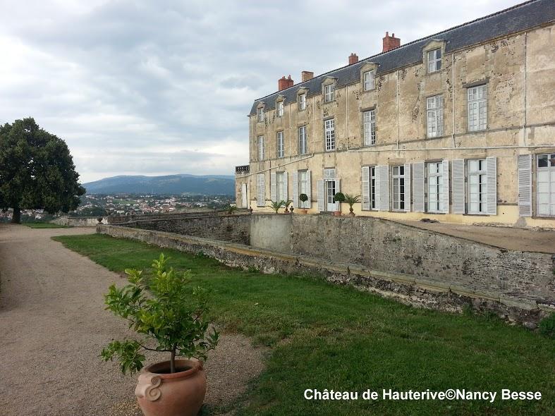 Les jardins - château de Hauterive - bâtiments