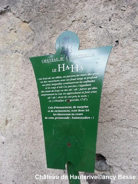Indication - jardins- château de Hauterive