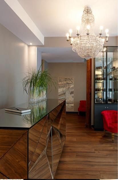 accueil et bar de l'hôtel Mademoiselle à Paris