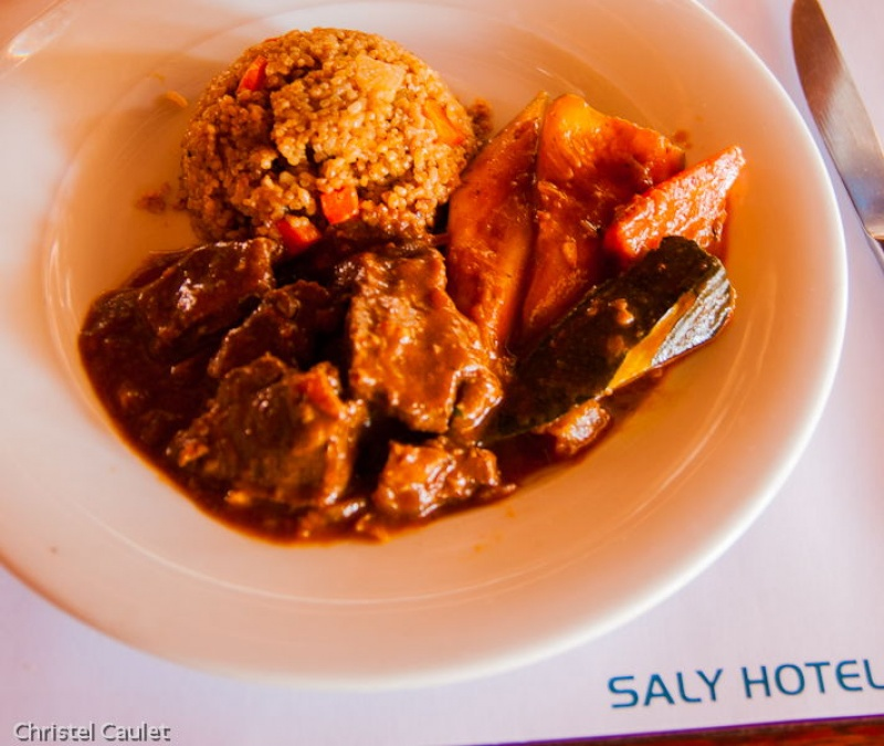 Ragout local au club Marmara à Saly au Sénégal
