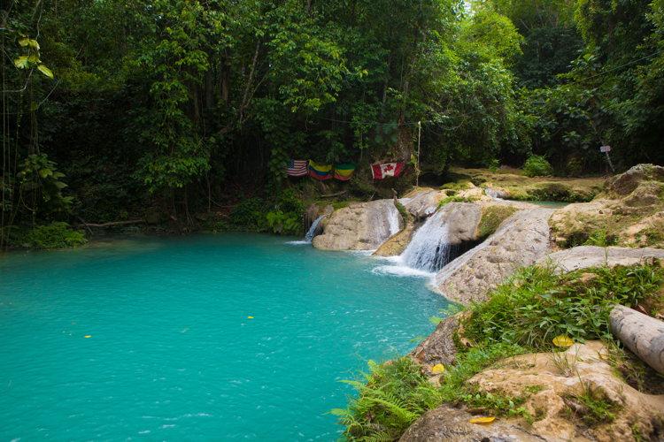 Escale en Jamaïque - le Blue Hole - croisière Crystal Cruises