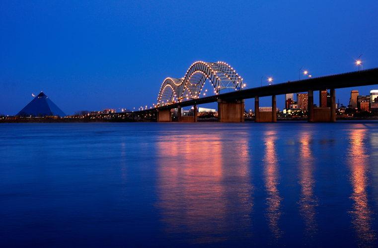 Pont en croisière - Memphis sur le Mississippi