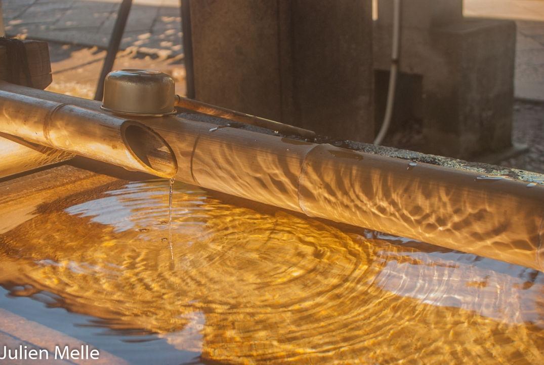 Bambou et eau pour se purifier