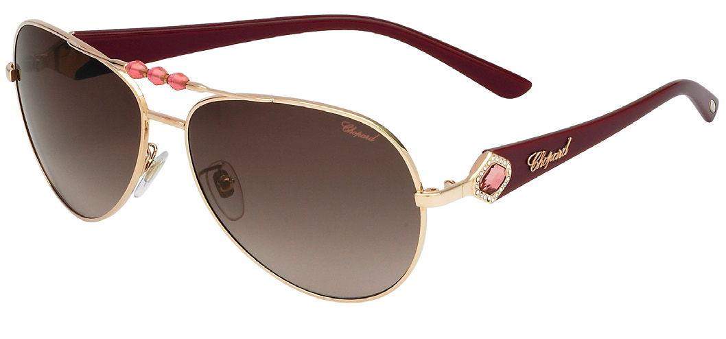 Une paire de lunette de Chopard pour les femmes