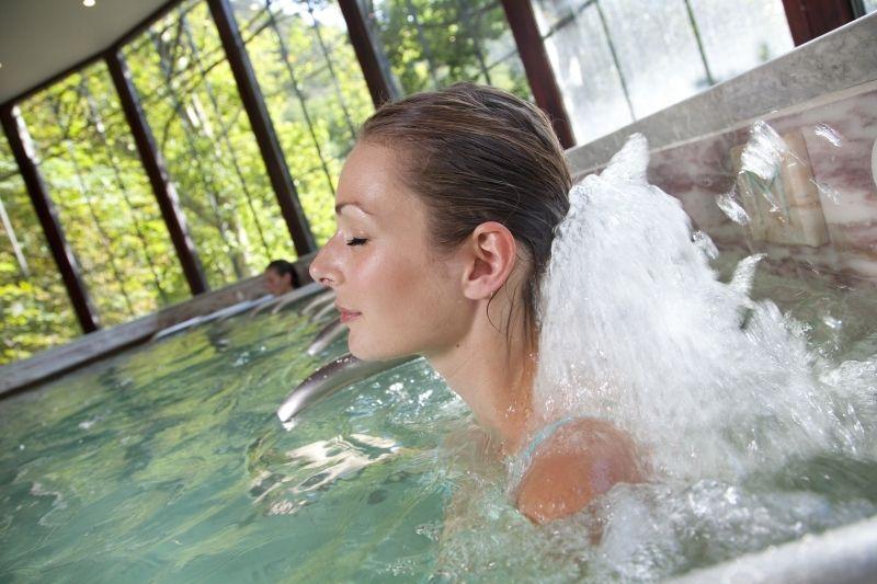 Voyagez stylées en cure thermale à Moligt-les-bains 04
