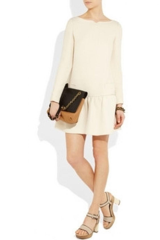Voyagez stylées avec un Fashion hit : la robe taille basse 03