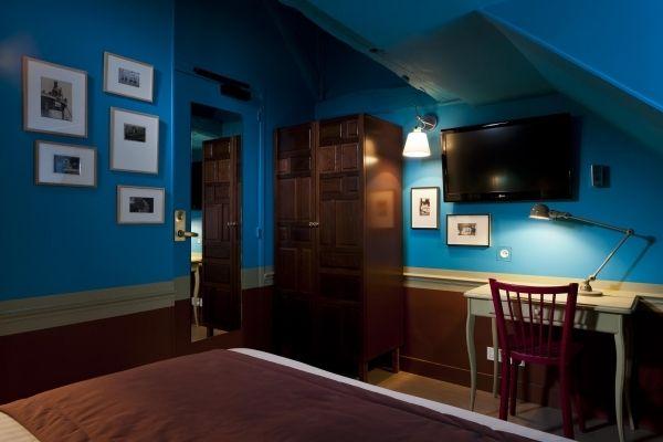 Une chambre à l'hôtel le Crayon à Paris.