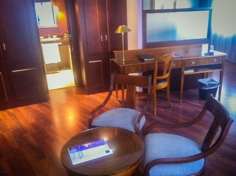 Le bureau de la suite au Plazza Andorra