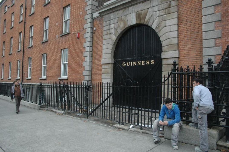Entrez dans la Guinness Factory à Dublin