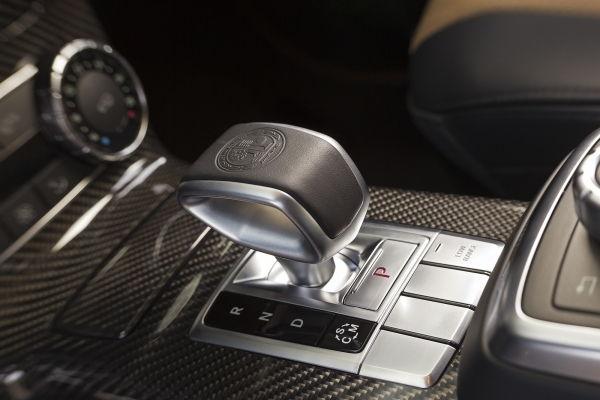 Poignée pour passer les vitesses avec le classe G de Mercedes Benz