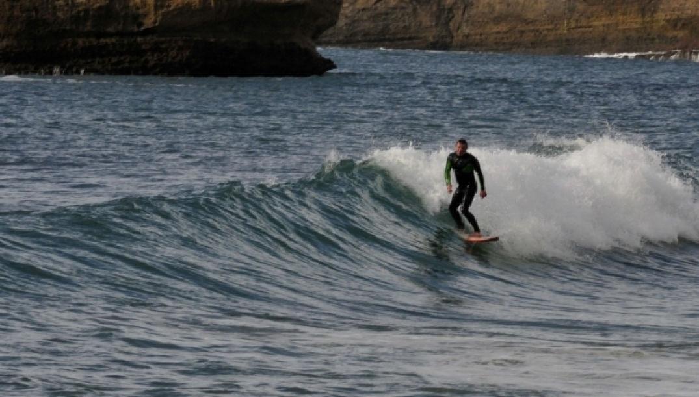 Les surfeurs se donnent en spectacle à Biarritz