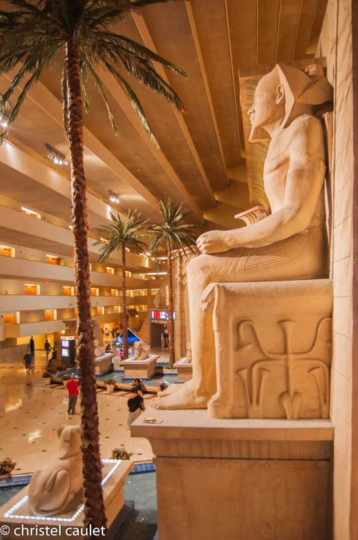 Statues égyptiennes au Luxor - démesure totale