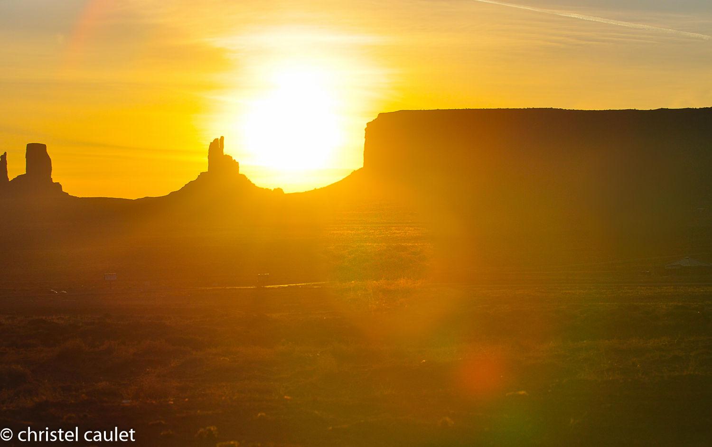 Coucher de soleil à Monument Valley aux USA